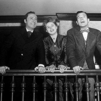 http://acertaincinema.com/media-tags/gaslight-1944/ Charles Boyer, Ingrid Bergman, and Joseph Cotten on set