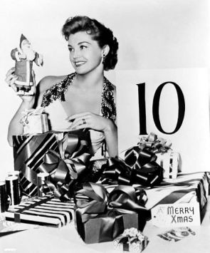 via: http://acertaincinema.com/media-tags/esther-williams/page/2/