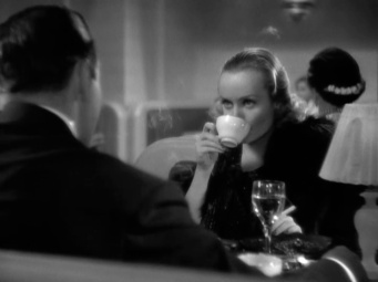 Love Before Breakfast-Carole Lombard - 21
