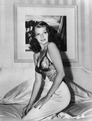 via: http://life.time.com/icons/rita-hayworth-photos-of-a-movie-legend-and-all-american-pinup-girl/#1