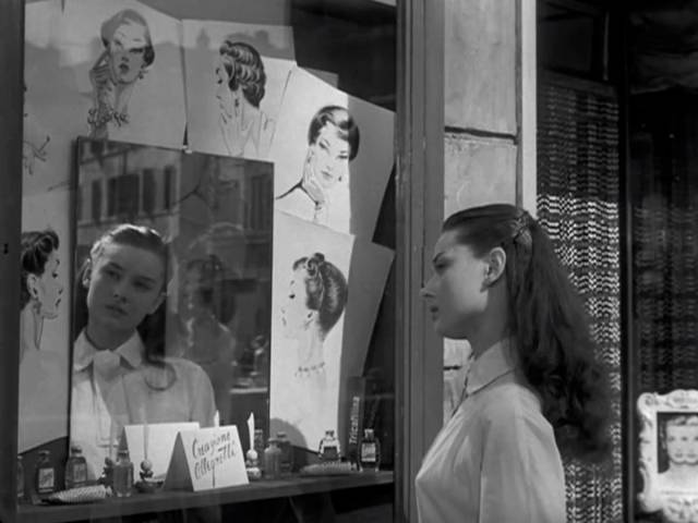 Roman Holiday Audrey Hepburn Haircut The Blonde At The Film