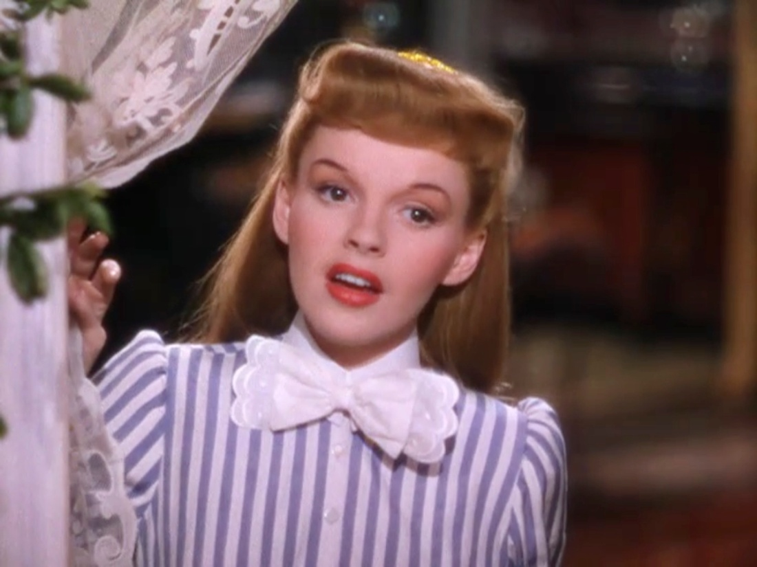 Meet Me in St. Louis (1944) – The Blonde at the Film