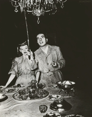 via: http://lejazzhot.tumblr.com/post/50948563581/judy-garland-and-vincente-minnelli-on-the-set-of