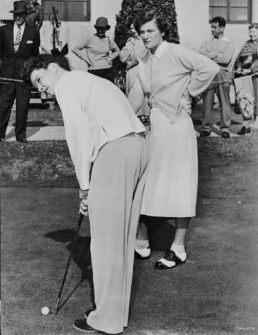 via: http://damelapelicula.tumblr.com/post/20415470347/katharine-hepburn-and-golf-celebrity-mildred Hepburn and Zaharias practicing before cameras roll
