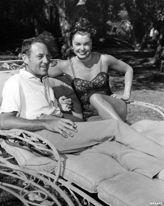 Walters and Williams between takes on Dangerous When Wet via: http://acertaincinema.com/media-tags/esther-williams/page/2/