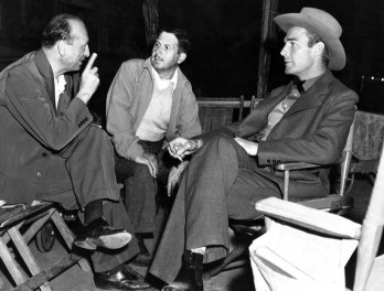 From left to right: Michael Curtiz, Sol Polito, and Randolph Scott via: http://cinehollywood.e-monsite.com/pages/les-grand-realisateur-hollywoodiens/michael-curtiz.html
