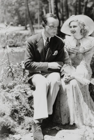 via: http://hollywoodlady.tumblr.com/post/76333079435/fred-astaire-with-ginger-rogers-on-the-set-of-the