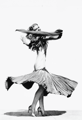 via: http://viviens-leighs.tumblr.com/post/79971192105/gingerrogerss-ginger-rogers-in-a-publicity