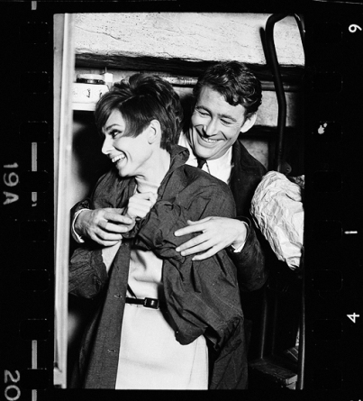 via: http://midnightfollies.tumblr.com/post/35397081189/audrey-hepburn-peter-otoole-on-the-set-of-how