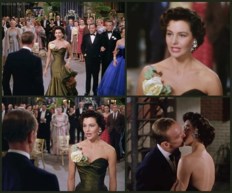 Band Wagon Charisse Astaire kiss.jpg