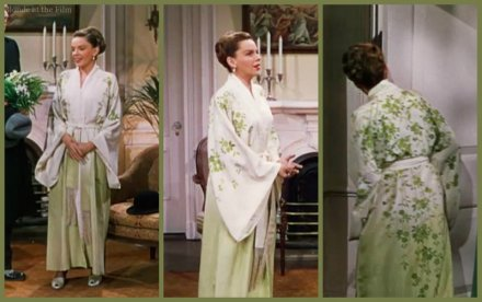 Easter Parade Garland robe