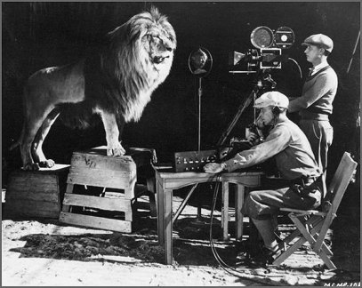 MGM recording Leo the Lion in 1929 via: https://www.hollyshop.com/2014/01/the-1929-recording-of-the-mgm-lion-roar-pic/