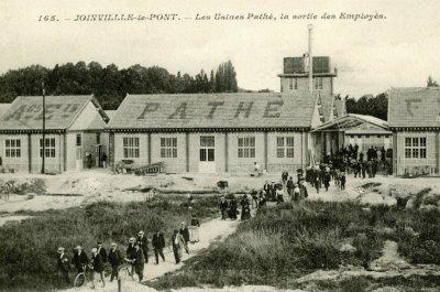 via: http://www.usinenouvelle.com/article/quand-l-histoire-de-l-industrie-s-ecrivait-en-banlieue-parisienne.N193368