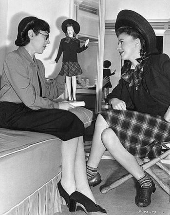 via: http://www.classicmoviehub.com/blog/classic-movie-pictorials-ginger-rogers-and-friends-guest-post/