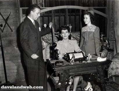 My Sister Eileen: Rosalind Russell visited by Shirley Temple