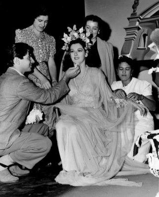 The Feminine Touch: Rosalind Russell