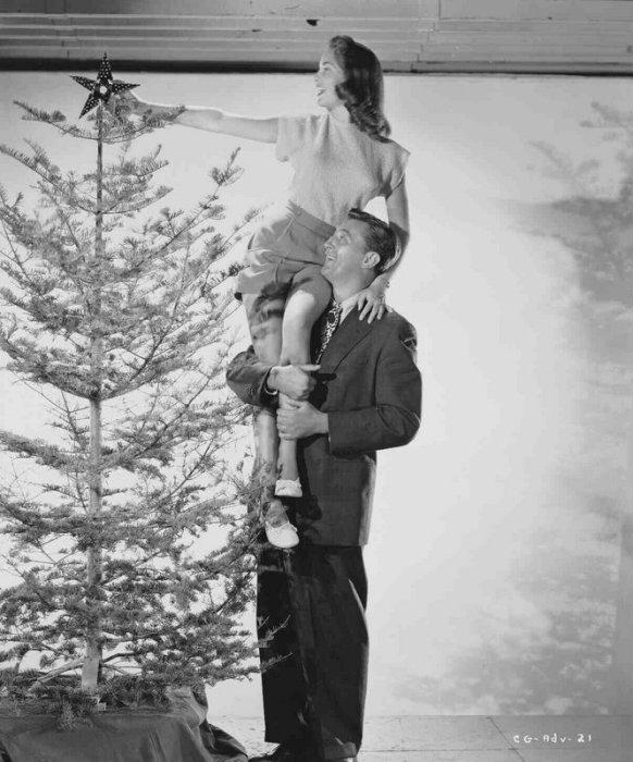 Holiday Affair: Janet Leigh & Robert Mitchum
